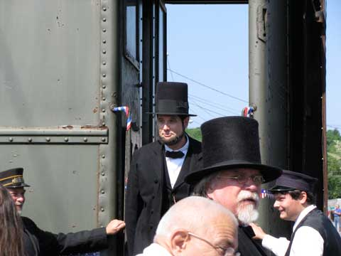 Lincoln Arrives in Torrington on Train