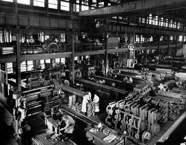 The planning, milling and boring floor 1943
